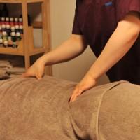 女性鍼灸師による鍼灸・整体・アロマの施術